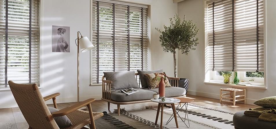 Raamdecoratie Woonkamer Inspiratie 5 Ideeen Onlinerolgordijnen Nl